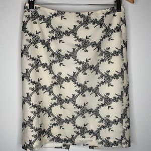 Ann Taylor Embroidered Pencil Skirt Size 6 Petite